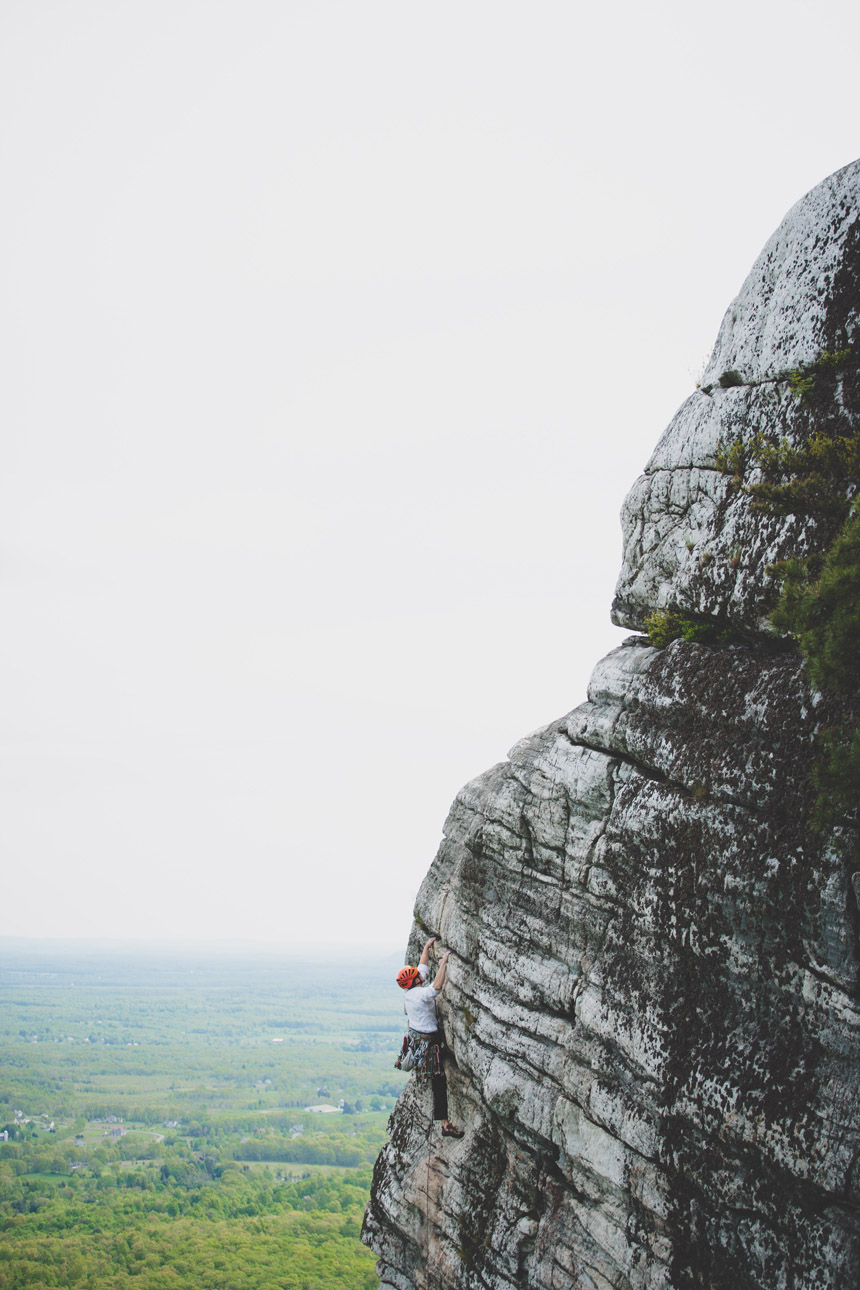 amy & chris mohonk climbing engagement photography 31